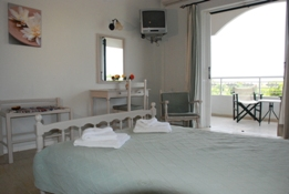 Energyia holisitc fitness holiday guests have a pleasant room at teh Hotel vasilikos with a balcony